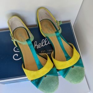 Rare Sold Out Freesia Seychelles Sandals